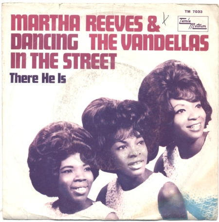 martha-reeves-and-the-vandellas-dancing-in-the-street-tamla-motown-4